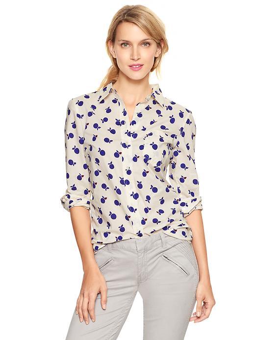 Gap Fitted Boyfriend Shirt - Apple print - Gap Canada
