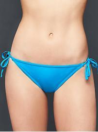 Bikini string