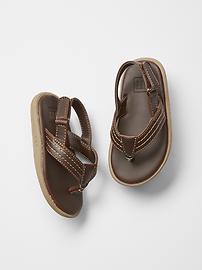 Sandales avec courroie à la cheville