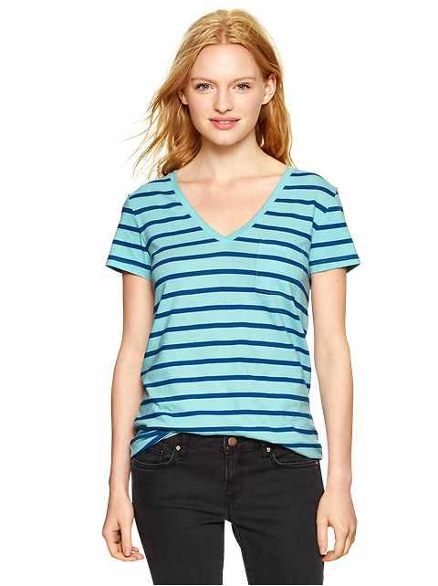 Essential stripe pocket V-neck tee