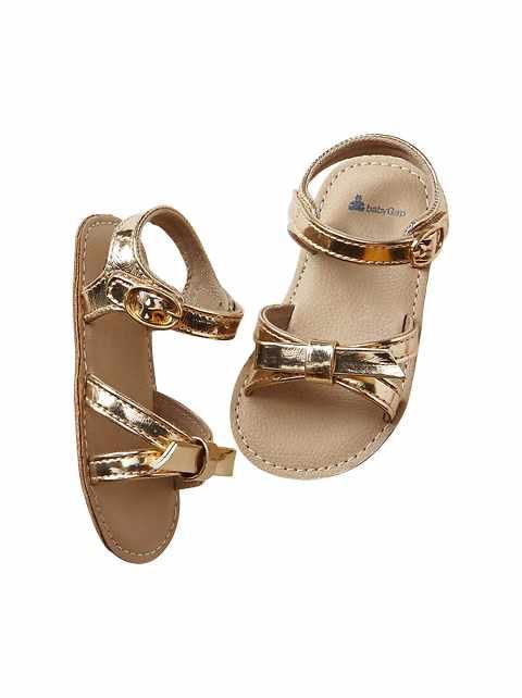 Sandales à noeud métallique