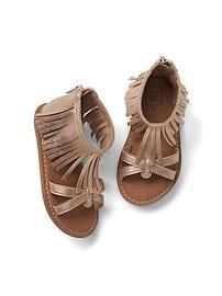 Sandales ornées de franges
