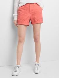 Short chino coupe girlfriend orné de broderies