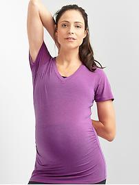 Maternity GapFit Breathe V-neck tee