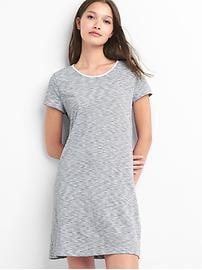 Robe t-shirt rayée à dos torsadé