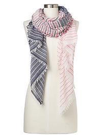 Écharpe à franges et à rayures variées