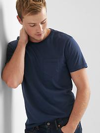 T-shirt à poche ras du cou