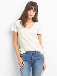 T-shirt à col en V et poche rayée