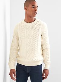 Pull ras du cou en tricot torsadé