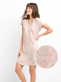 Slogo V-neck graphic sleep dress