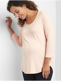 Maternity softspun knit three-quarter scoop tee