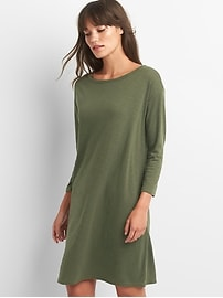 Three-quarter sleeve t-shirt dress
