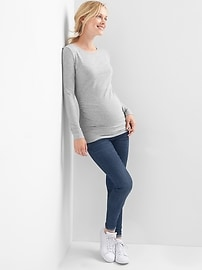 Maternity Pure Body solid crew tee