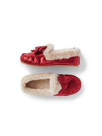 Mocassins douillets rouges chatoyants