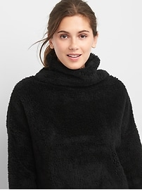 Sherpa sleep turtleneck