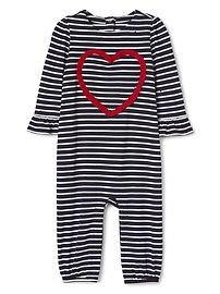 Une-pièce en tricot à rayures et cœurs