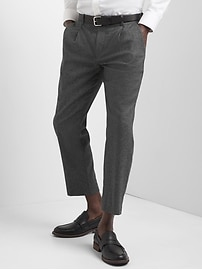 Wool pleated slim fit cropped pants
