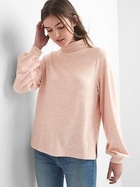 Pull à col entonnoir en tricot moelleux