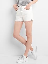 Short en denim à taille haute en blanc optique avec braguette à boutons visible