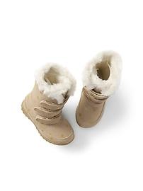 Cozy polka dot snow boots
