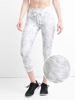 gFast Printed Blackout Drawcord Capri
