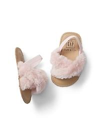 Sandales ornées de fourrure à enfiler