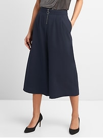 Pleated wide-leg crop pants