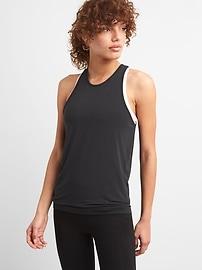 Haut camisole GapFit Breathe à dos torsadé