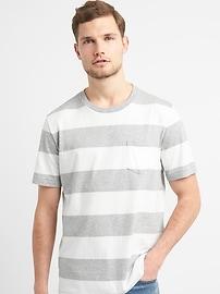 T-shirt indispensable ras du cou à rayures de style rugby à poche et manches courtes