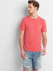 T-shirt indispensable ras du cou à poche et manches courtes