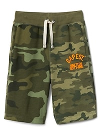 "9"" Camo Logo Shorts in Fleece"