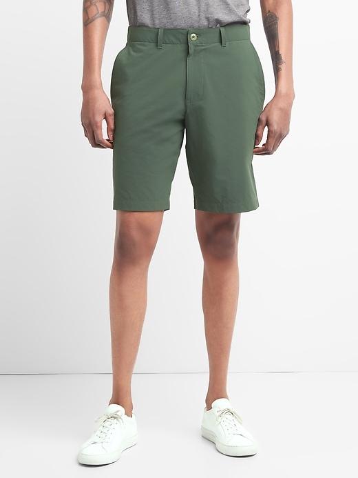 "Gap Fit 10"" Hybrid Khaki Shorts With Gap Flex by Gap"