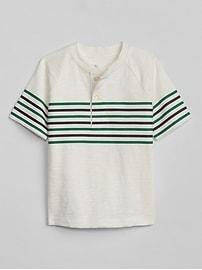 T-shirt henley à rayures sur la poitrine