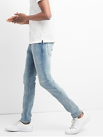 Washwell Light Indigo Jeans in Skinny Fit with GapFlex