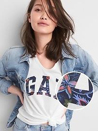 T-shirt col en V à manches courtes avec logo