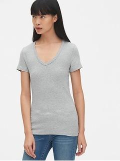 T-shirt moderne à col enV