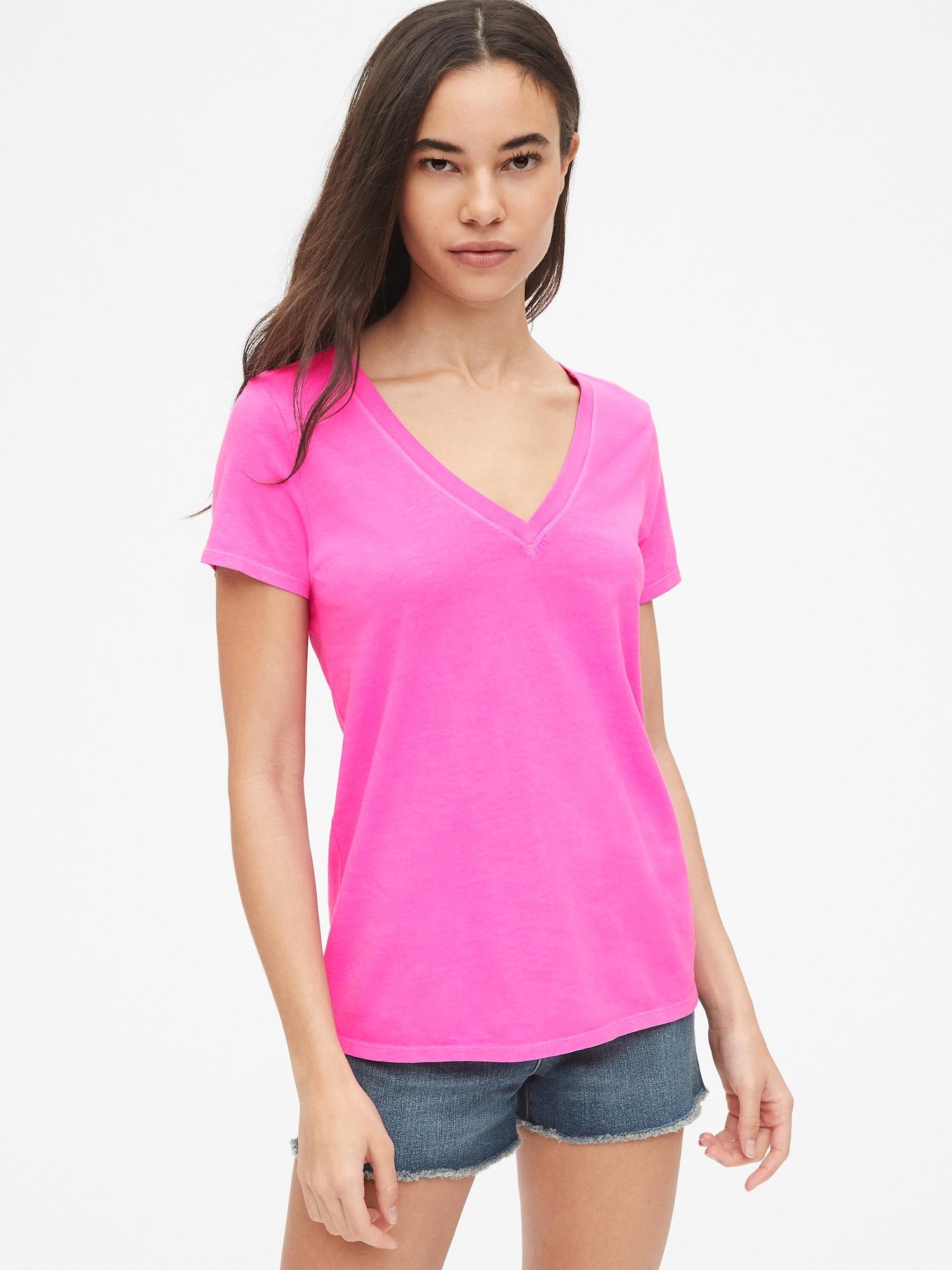 43a66d2e21b92a Vintage Wash V-Neck T-Shirt   Gap