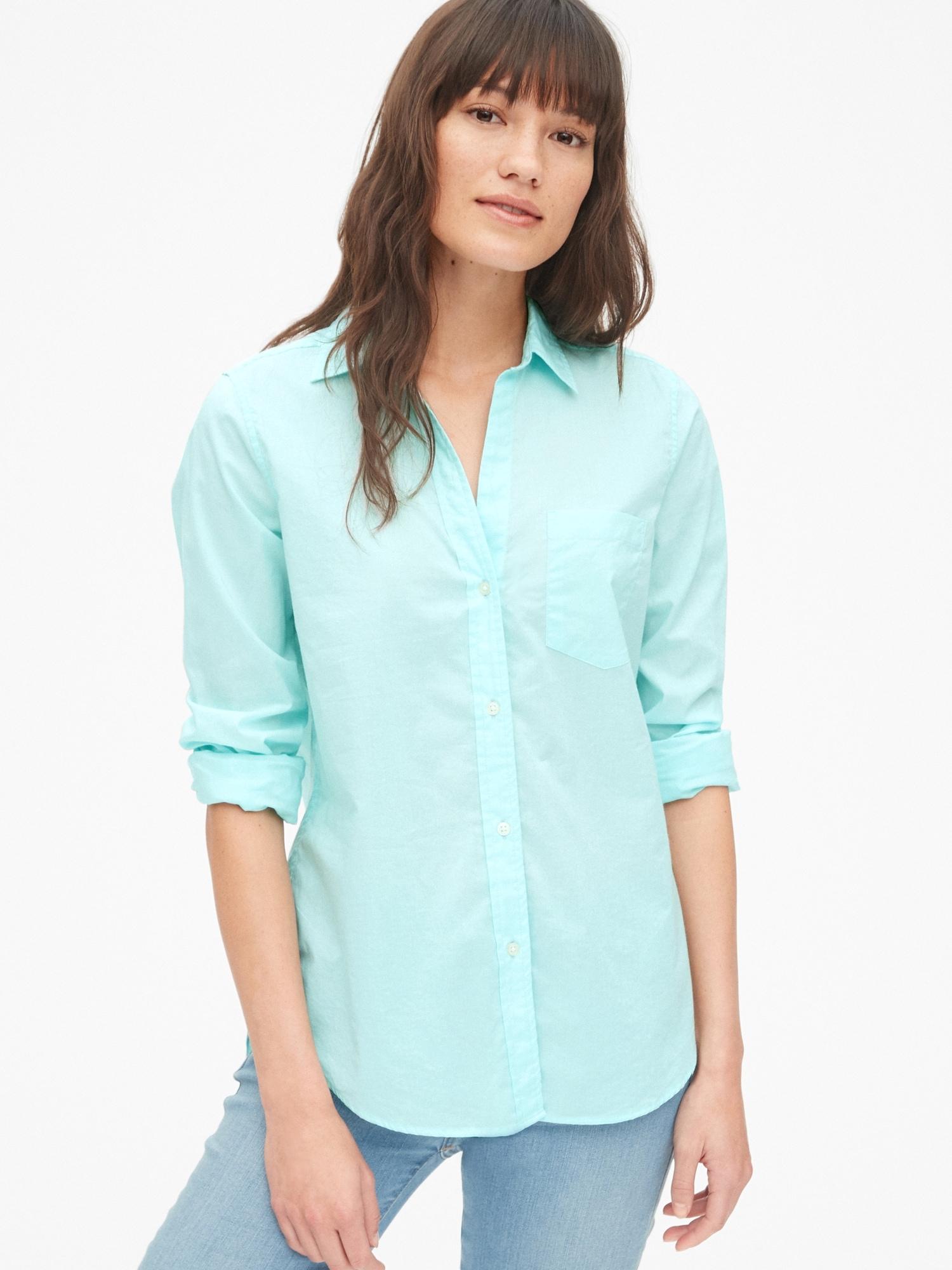 640033f7 Fitted Boyfriend Shirt | Gap