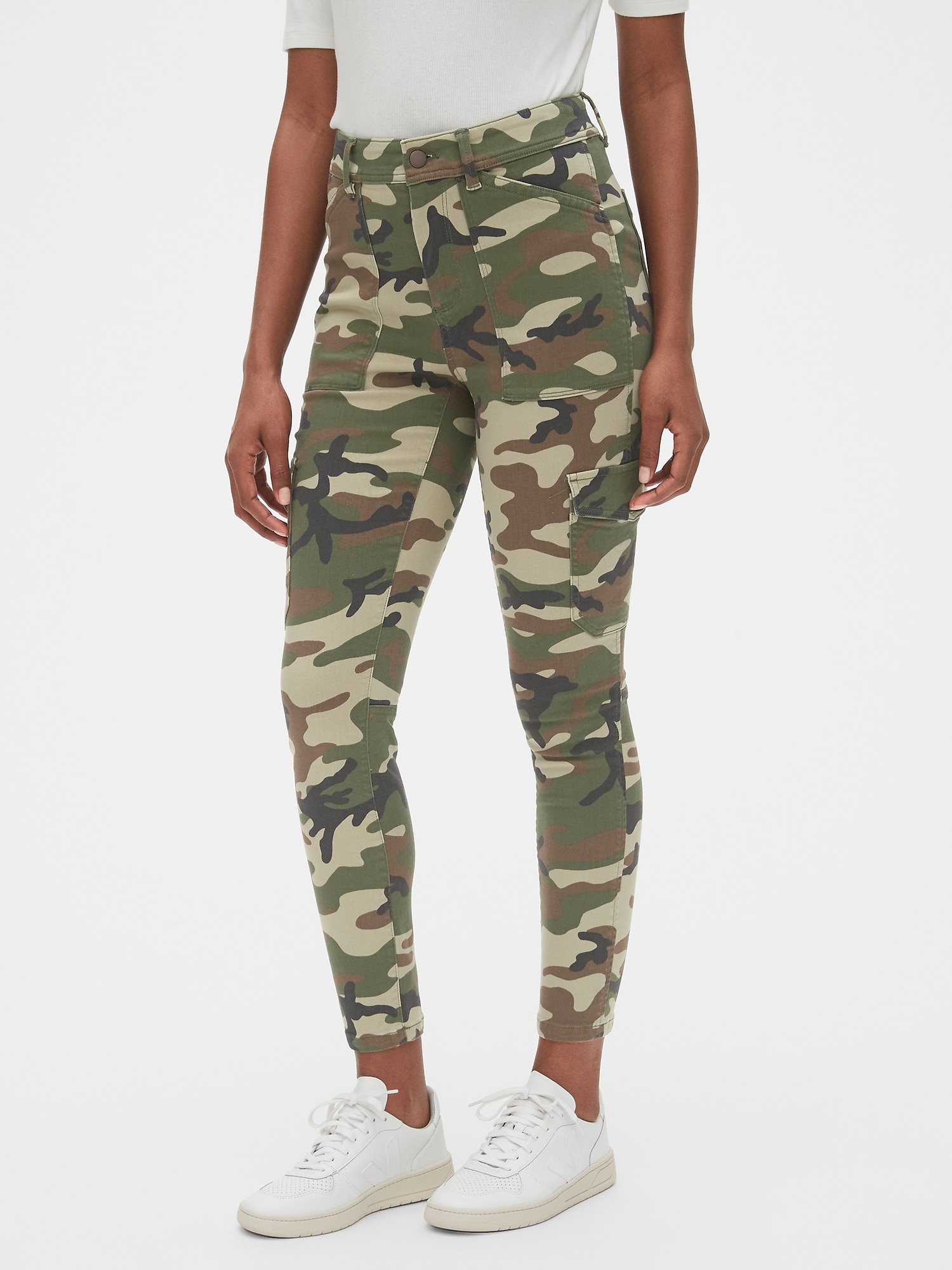 GAP Womens Canvas Camouflage Camo Print Jogger Pants with Elastic at Ankles