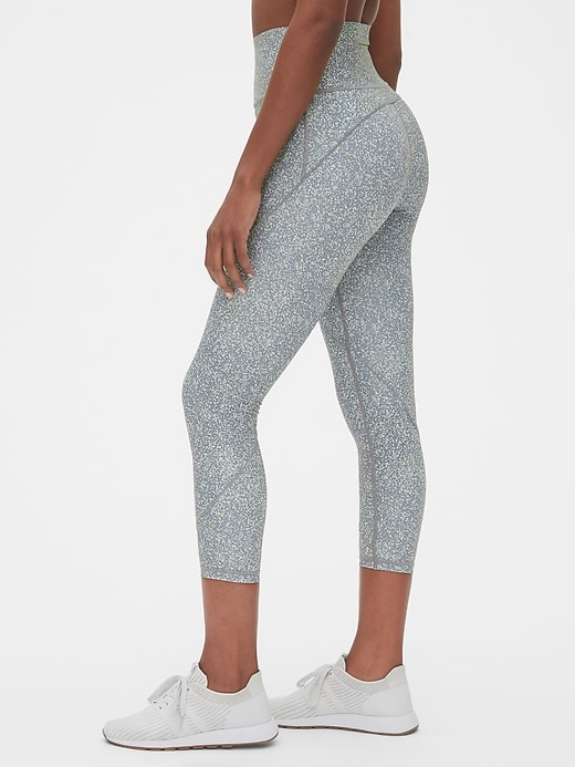 High Rise Reflective Trim Spliced 7/8 Leggings In Sculpt Revolution by Gap