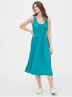 Scoopneck Midi Dress