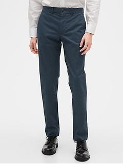 Modern Khakis in Slim Fit with GapFlex